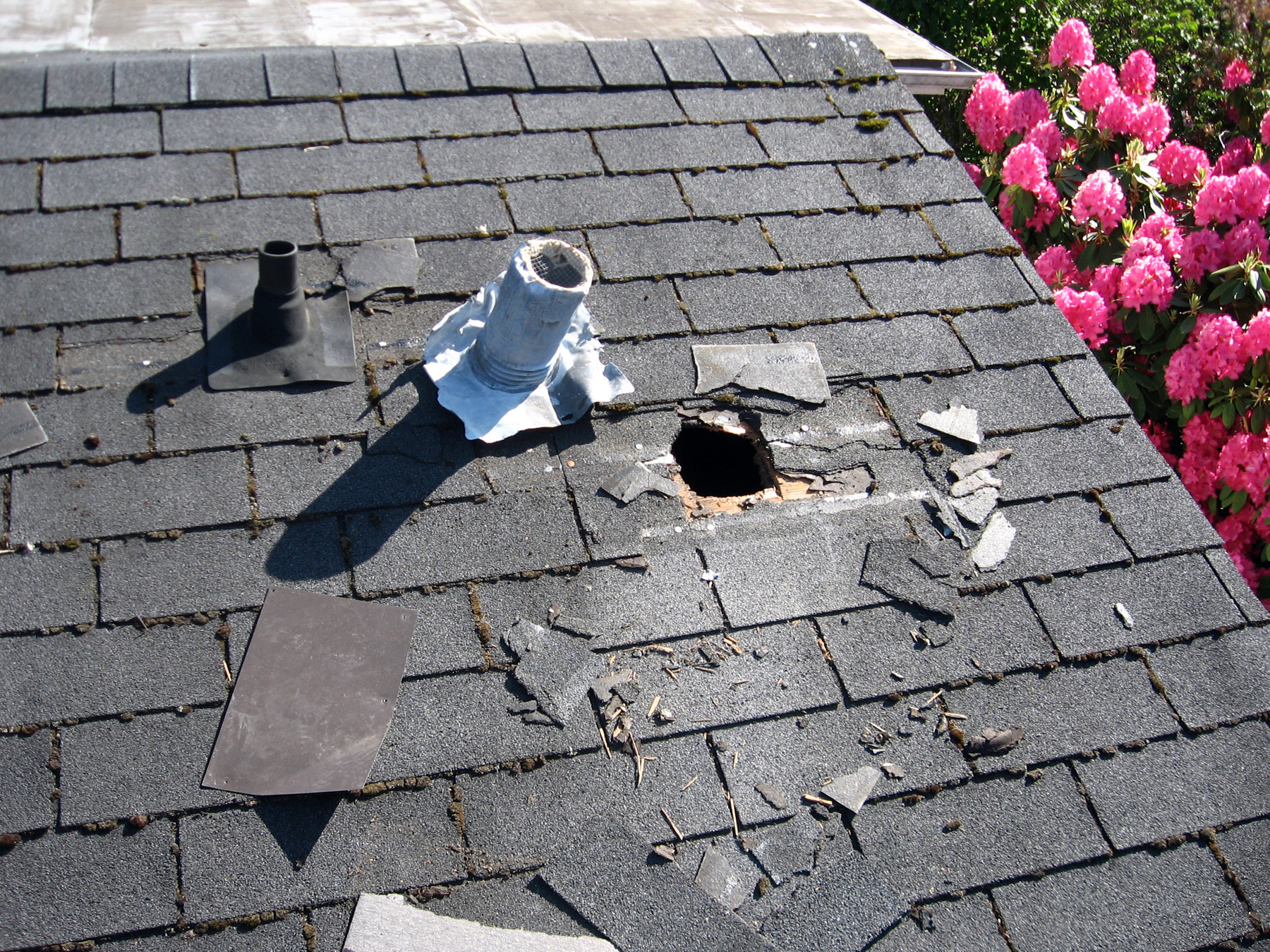 Emergency Roof Repair And Maintenance Service Akron